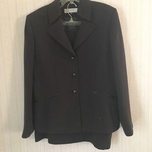 Tahari Arthur S. Levine 2 pc suit, Size 16, brown